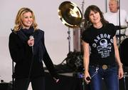 FAITH HILL & CHRISSIE HYNDE x 2