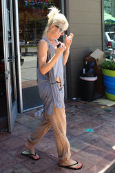 Gwen Stefani - Out For a Pedicure in LA - Ripped Clothes - Aug. 5, 2011 - x6 HQ-ish, x3 UHQ