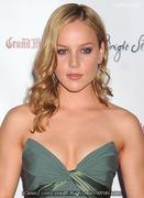 th 45233 abbie cornish 122 184lo Abbie Cornish and beau split