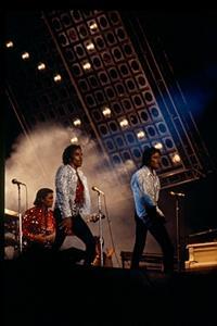1984 VICTORY TOUR  Th_754307531_7030118445_13bdcd3e96_o_122_228lo
