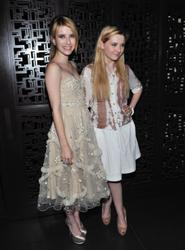 http://img185.imagevenue.com/loc25/th_098547433_EmmaRoberts_AbigailBreslin_AOGB_AfterParty_3_122_25lo.jpg