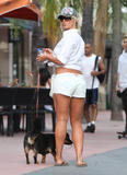 Brooke Hogan - Leggy & showing tummy while shopping in Miami, March 15, 2010