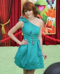 http://img185.imagevenue.com/loc396/th_595749440_Bella_Thorne_The_Muppets_Premiere_Hollywood_122_396lo.JPG