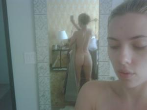 Scarlett Johansson naked! Leaked photos of Scarlett Johansson from 2011