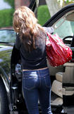 Vanessa Minnillo show off her ass wearing tight jeans at a business meeting in Hollywood - Hot Celebs Home