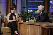 http://img185.imagevenue.com/loc555/th_013928661_Evangeline_Lilly_Appearing_on_The_Tonight_Show_with_Jay_Leno17_122_555lo.jpg