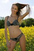 http://img185.imagevenue.com/loc7/th_377204584_Elave_Natasha_S_0030_123_7lo.jpg